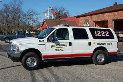 Mauricetown of Commercial Township F12-22 2004 Ford Excursion Photo by Chris Tompkins