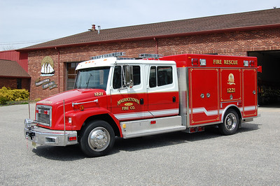 Mauricetown of Commercial Twp Rescue 1221 1990 Freightliner-PL Custom Ex. Freehold Rescue Squad. Photo by Chris Tompkins
