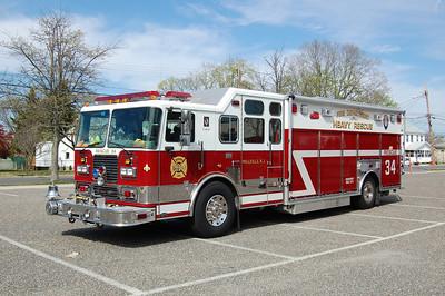 Millville Rescue 34 2005 Seagrave-EVI
