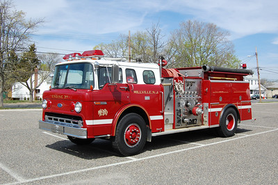 Millville Engine 37 1985 Ford800-ALF 1000-750 Photo by Chris Tompkins