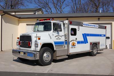Rosenhayn of Deerfield Twp, Rescue 2921 1990 Ford L - Hackney Ex Berlin, NJ Photo by Chris Tompkins
