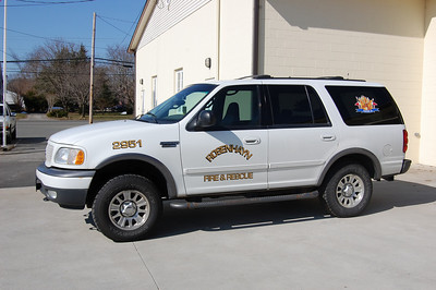 Rosenhayn of Deerfield Twp, Chief 2951 2001 Ford Expedition Photo by Chris Tompkins