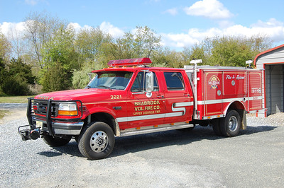 Seabrook Rescue 32-22 1996 Ford F350 - EOne Photo by Chris Tompkins