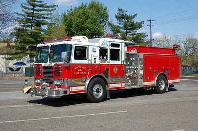 Vineland Engine 61 2006 Seagrave 1500-750 Photo by Chris Tompkins