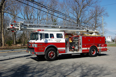 Aura section of Elk Twp, Squirt 39-16 1984 Ford 8000-Bordman 55' Reditower 1250-600 Ex Mullica Hill Photo by Chris Tompkins
