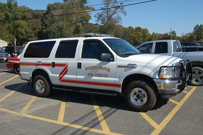 Forest Grove Command 43-501 2003 Ford Excursion Photo by Chris Tompkins