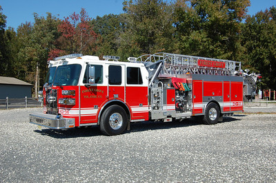 Forest Grove Tower 43-56 2010 Sutphen 2000-500-70'+ Photo by  Chris Tompkins