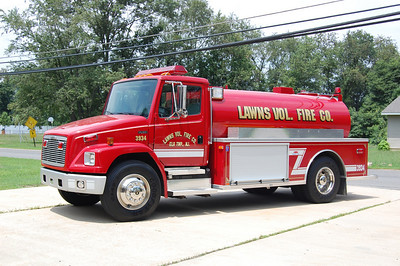 Lawns section of Elk Township Tanker 3934 2001 Freightliner-Midwest Fire 250-2000 Photo by Chris Tompkins
