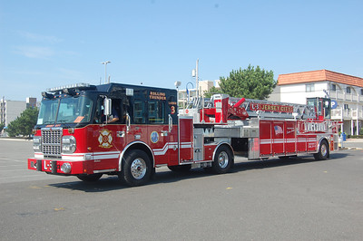 Jersey City Ladder 3 2010 Spartan - Crimson 100' Photo by Chris Tompkins