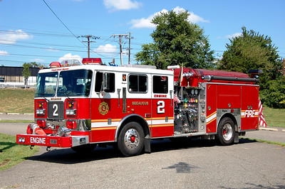 Secaucus Engine 2 2001 Seagrave 2000-700 Photo by Chris Tompkins