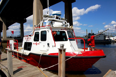 Secaucus Marine 1 1988 SeaArch 33' Fireboat  Photo by Chris Tompkins