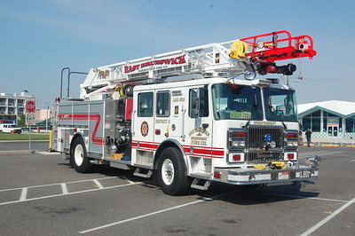 East Brunswick Quint 801 2009 Seagrave 2250-400-75' Photo by Chris Tompkins