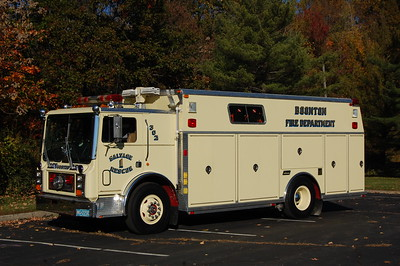 Boonton Rescue 302 1986 Mack - Saulsbury  Photo by Chris Tompkins