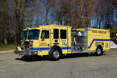 Roxbury Engine 13 2011 KME Predator 1500-750-25B Photo by Chris Tompkins