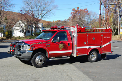 Roxbury Rescue 34 2001 Ford F550 - S&S Photo by Chris Tompkins