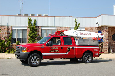 Beach Haven Water Rescue 1506 2001 Ford F250 Photo by Chris Tompkins