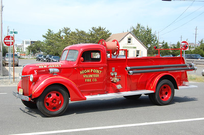 High Point Antique 1940 Ford General 500-300 Photo by Chris Tompkins