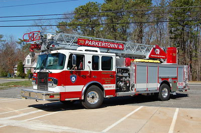 Parkertown Ladder 7005 2011 Rosenbauer 1500-300-75' Photo by Chris Tompkins