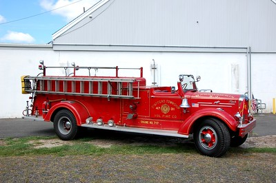 Stafford Twp Antique 4731 1951 Mack 505A 750-500  Photo by Chris Tompkins