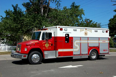 Stafford Twp Rescue 4703 1999 Freightliner - EVI Photo by Chris Tompkins