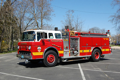 Tuckerton Engine 5011 1986 Ford8000-EOne 1000-750 Photo by Chris Tompkins