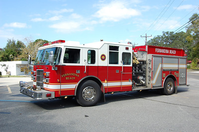 Fernandina Beach Engine 101 2002 Pierce Lance 1500-750 Photo by Chris Tompkins