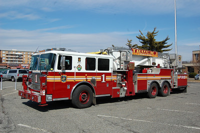 Heampstead, NY 2009 Seagrave Marauder 75' Aerialscope Photo by Chris Tompkins