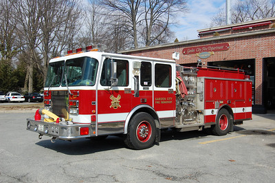 Garden City Engine 142 1996 Spartan - RD Murray 1500-500 Photo by Chris Tompkins