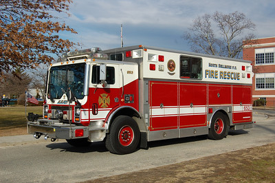 North Bellmore Rescue 653 1991 Mack MC - Saulsbury Photo by Chris Tompkins