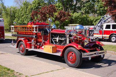West Paterson Engine 2 Antique Ahrens Fox. (2012)