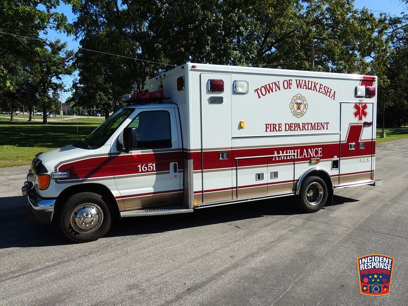 Town of Waukesha Fire Dept. Ambulance 1651