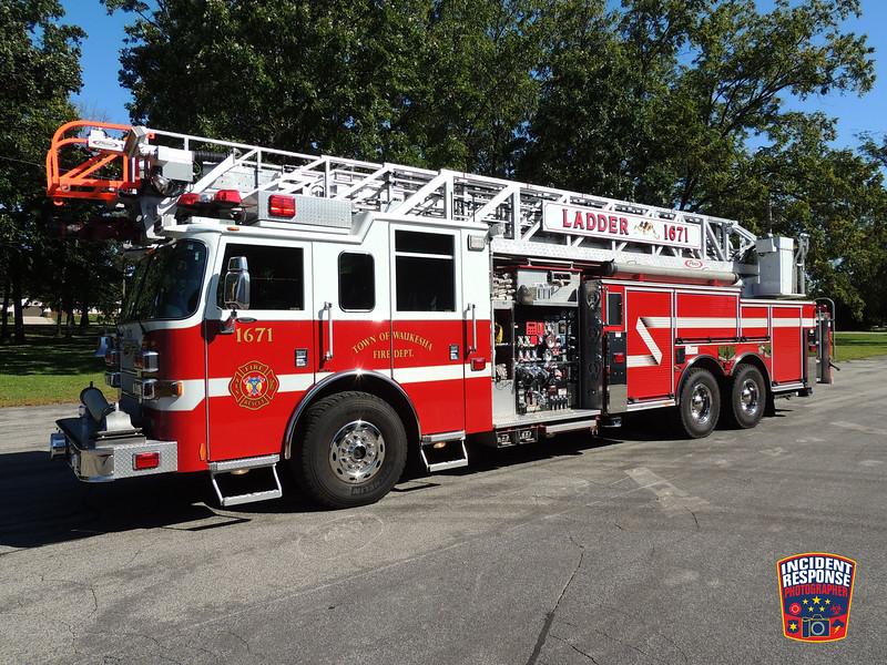 Town of Waukesha Fire Dept. Ladder Truck 1671