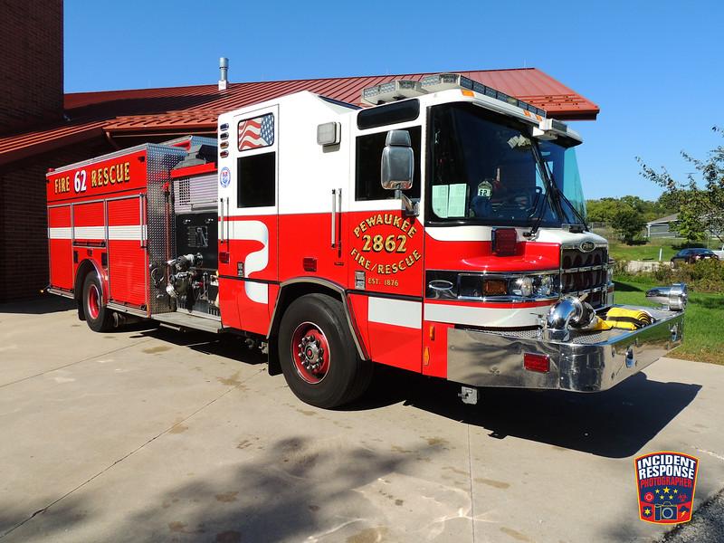 Pewaukee Fire Dept. Engine 2862