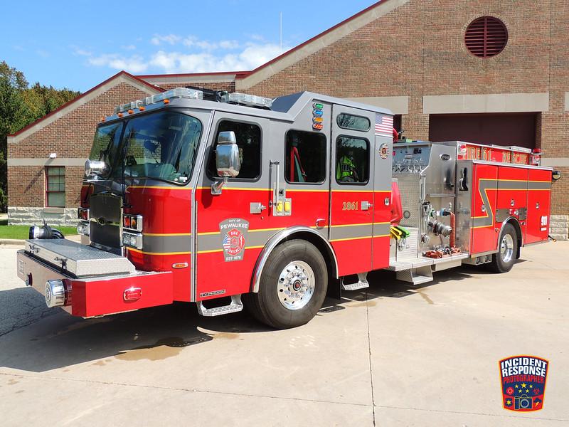 Pewaukee Fire Dept. Engine 2861