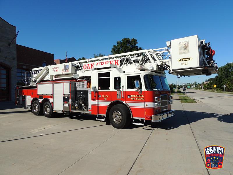 Oak Creek Fire Dept. Ladder Truck 181