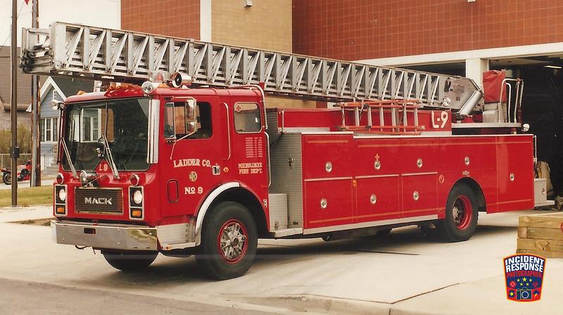 Milwaukee Fire Dept. Ladder Truck 9