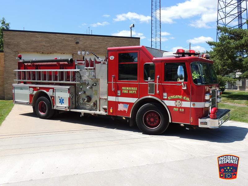 Milwaukee Fire Dept. Engine 49 (reserve)