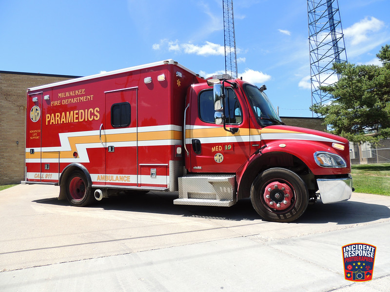 Milwaukee Fire Dept.  Med 19