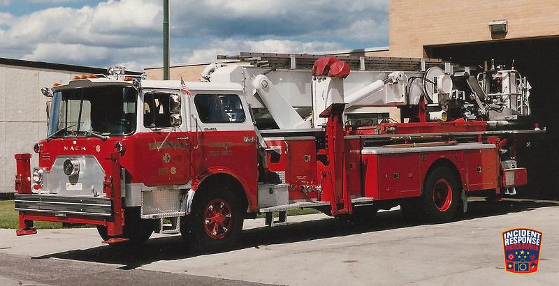 Milwaukee Fire Dept. Ladder Truck 6