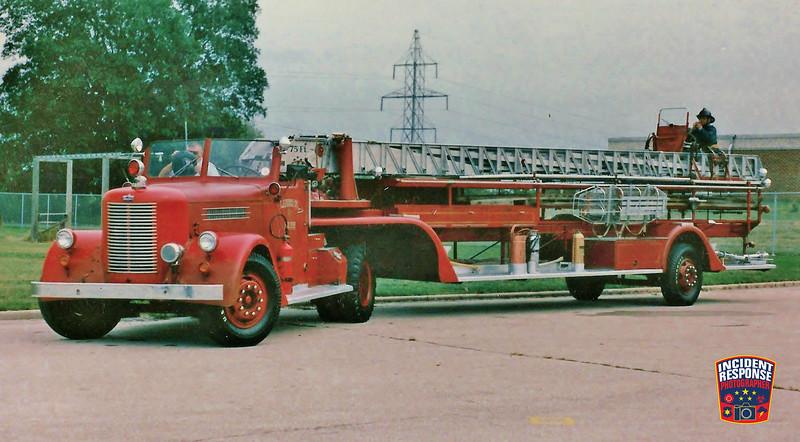 Milwaukee Fire Dept. Ladder Truck 25