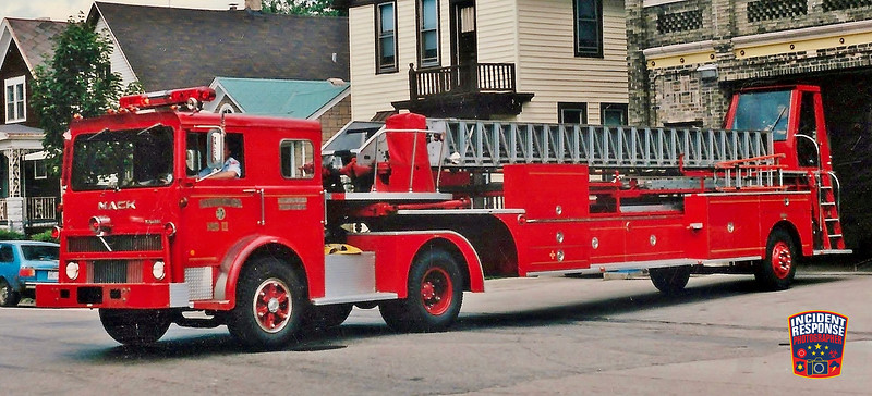 Milwaukee Fire Dept. Ladder Truck 11