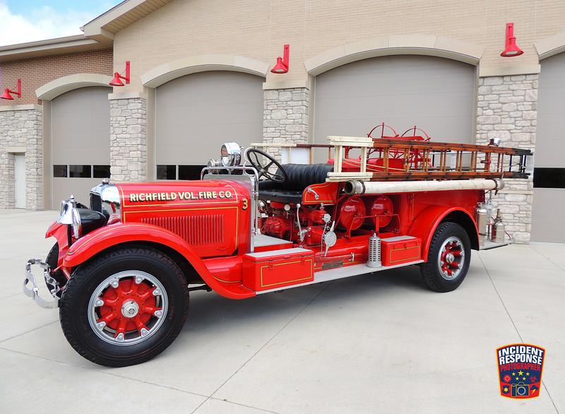 Richfield Volunteer Fire Company Parade Engine