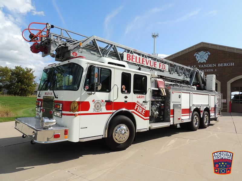 Bellevue Fire Dept. Ladder Truck 511
