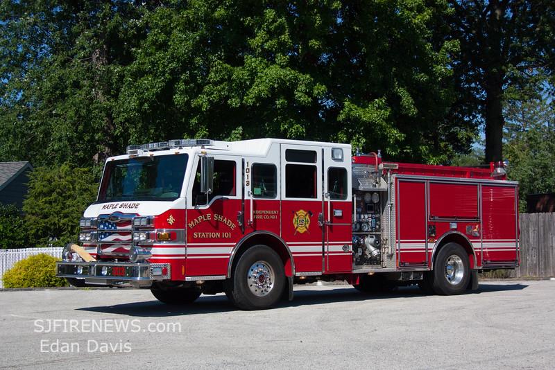 Maple Shade, Burlington County NJ, 1013, 2009 Pierce Velocity, 1500-500, (C) Edan Davis, www sjfirenews (2)
