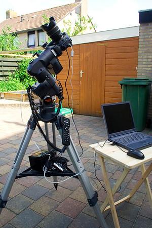 De montering gebruik ik ook om met een DSLR en een lens opnames te maken van de sterrenhemel.