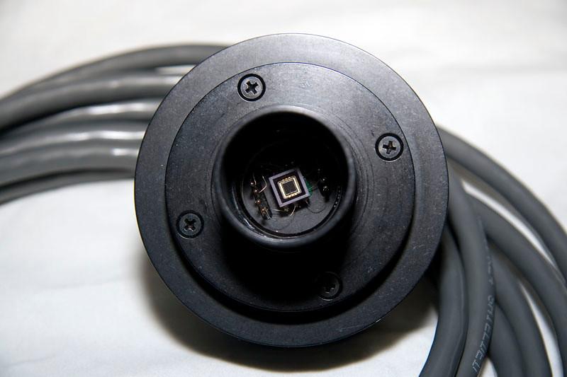 De voorkant van de CCD kop van de ST-4, zichtbaar is de kleine CCD