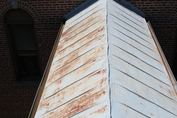 Degrading roofs 6-2012