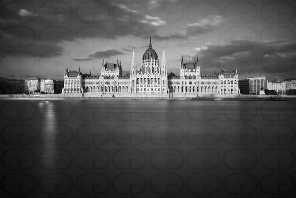 Parliament in Mono