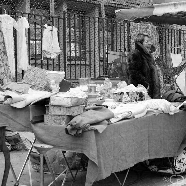 Textiles Dealer