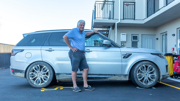 20210505 4WD - Graham before cleaning his RangeRover - Johns _JM_3453